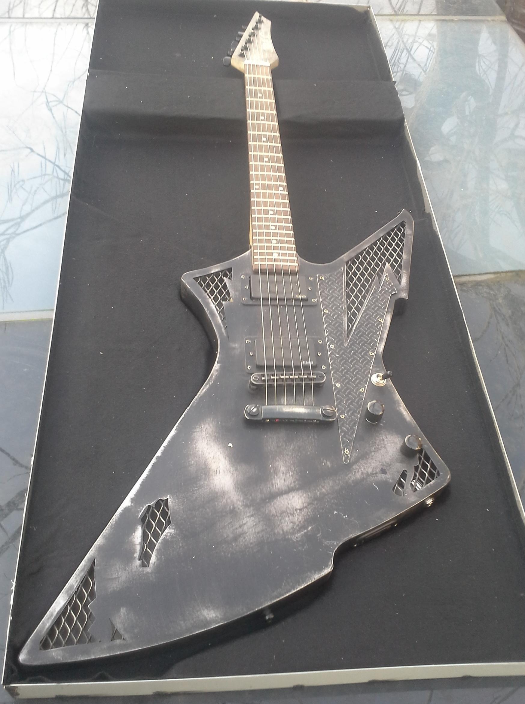 metaal steel metal stalen body guitars custom steelcaster metalcaster d c belgium. Black Bedroom Furniture Sets. Home Design Ideas